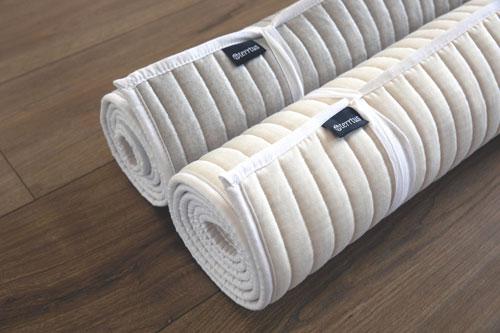 Baumwoll-Yogamatten-beide-gerollt